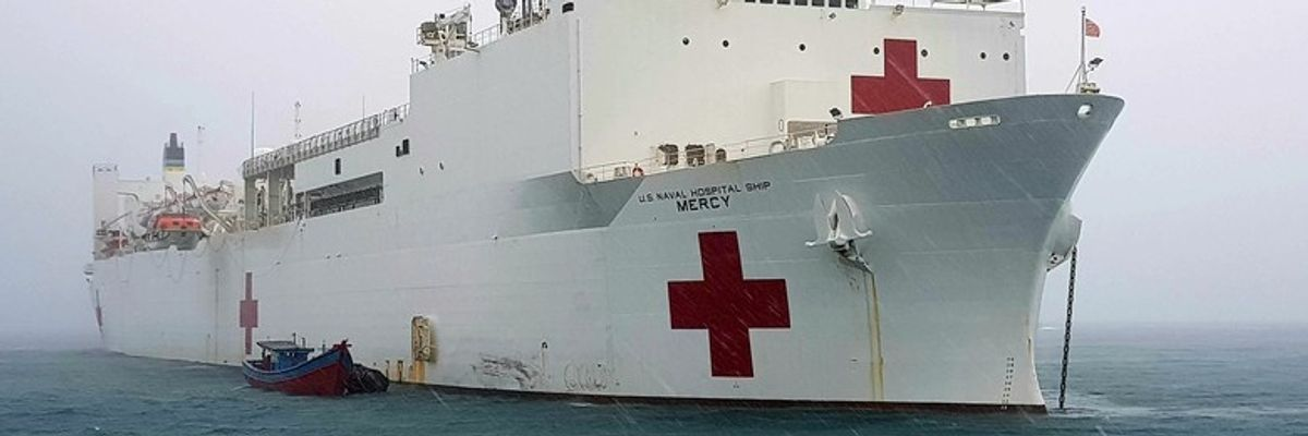 Coronavirus Updates: Mercy Hospital Ship Arrives in L.A., Gates Warns About COVID-19 Fight, SMMUSD Closes Indefinitely