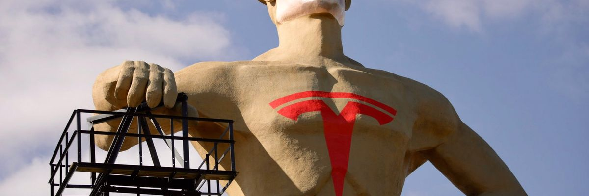 There's a Seven-Story Tall Statue of Elon Musk in Tulsa (Really)
