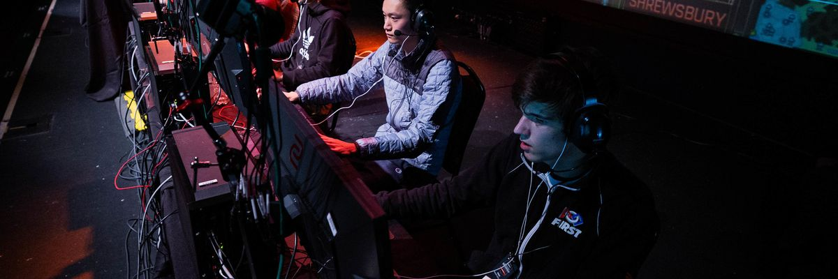 With Most High School Sports Sidelined, Esports Is Having a Moment in the Spotlight