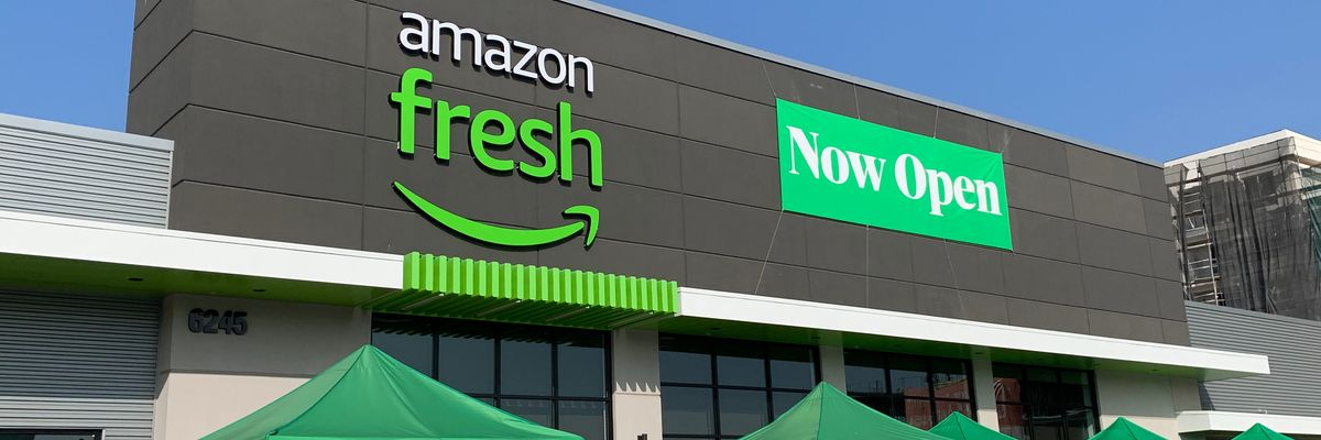 Have a Look Inside Amazon's First 'Smart' Grocery Store